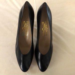 Salvatore Ferragamo Women's shoes size 8.5 AA.